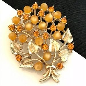 Vintage Pin Gold Tone Citrine Colored Crystals 9A
